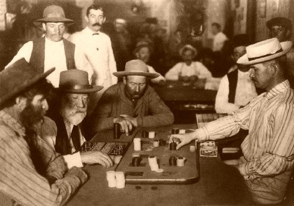 casino chip keychain